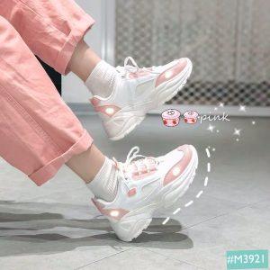 Đôi giày thể thao nữ hoàn hảo đến từng chi tiết