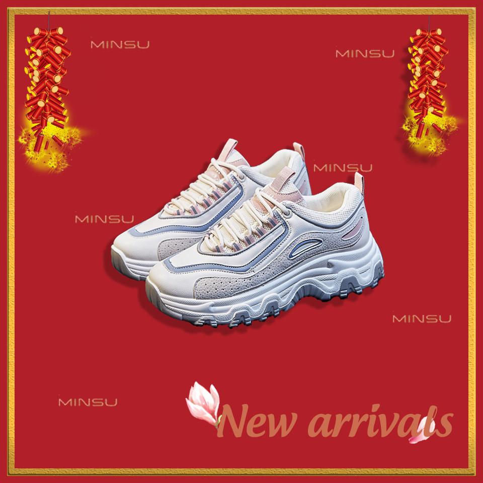 giày thể thao mùa tết