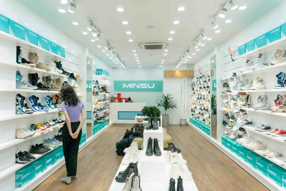 shop giày Sneaker TP.HCM