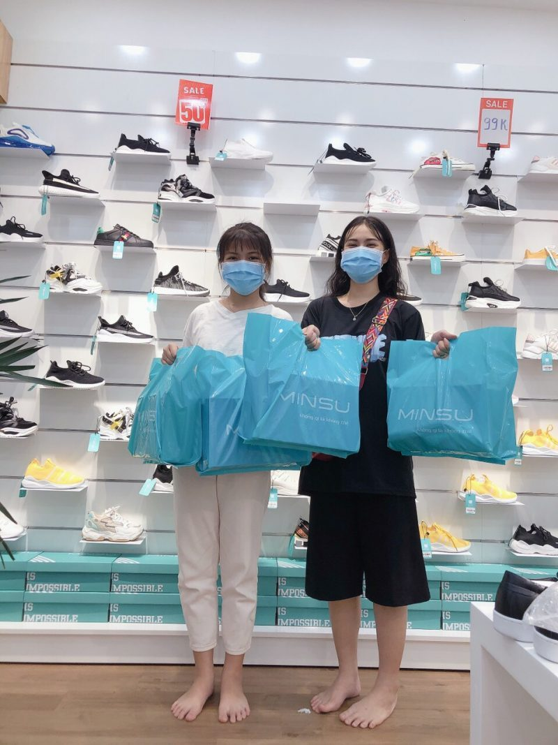 Trãi nghiệm mua giày tại MINSU SHOP
