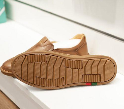 Giày da phong cách công sở