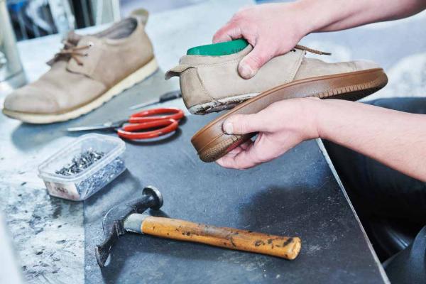 Bảo hành giày bị bung keo